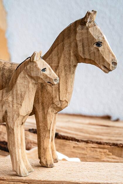 Bauernhoftiere schnitzen «Pferd & Fohlen»